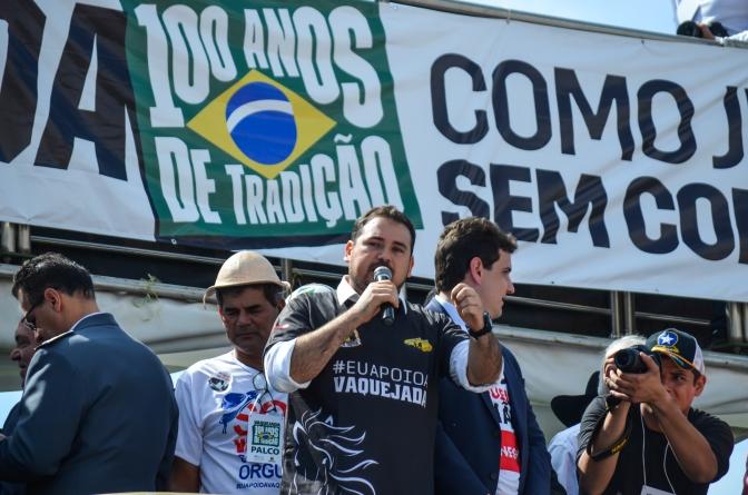 O candidato a vereador eleito, DEUSDETE PEREIRA participa de um ato a favor da Vaquejada em  Brasília.