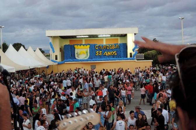 Candiba: Aniversário da cidade foi marcado pela participação popular, fé cristã e por um bolo de 55 metros