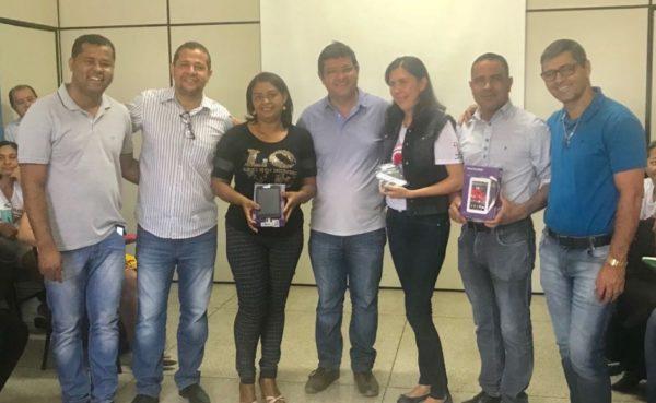 Prefeitura de Guanambi entrega tablets aos ACS