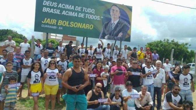 Guanambi: em menos de 24 horas outdoor de bolsonaro sofre ataques