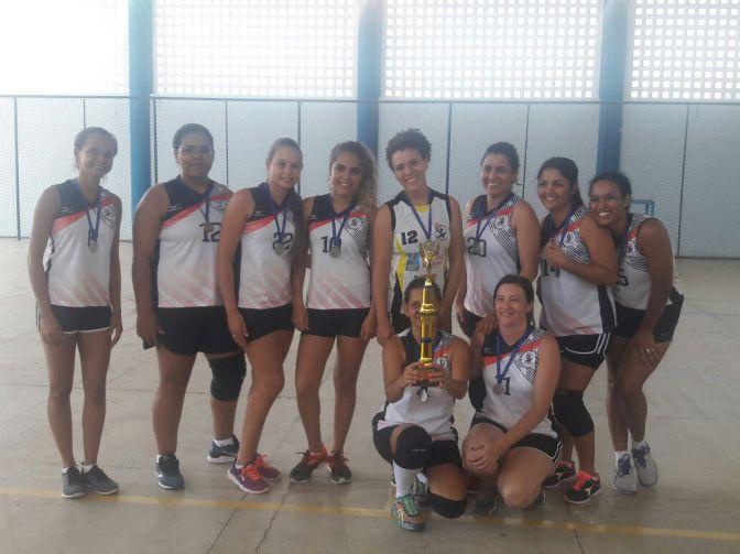 Candiba: Equipe feminina de Vôlei ficou em segundo lugar no 1º Triangular de Voleibol em Palmas de Monte Alto