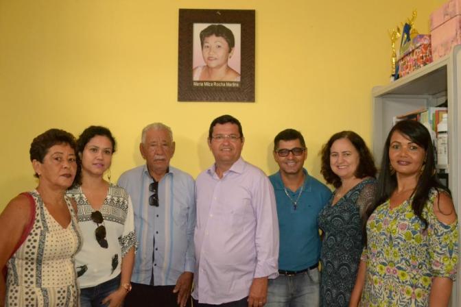 Prefeito de Guanambi entrega nova sede da Escola Maria Milza, no Distrito de Morrinhos