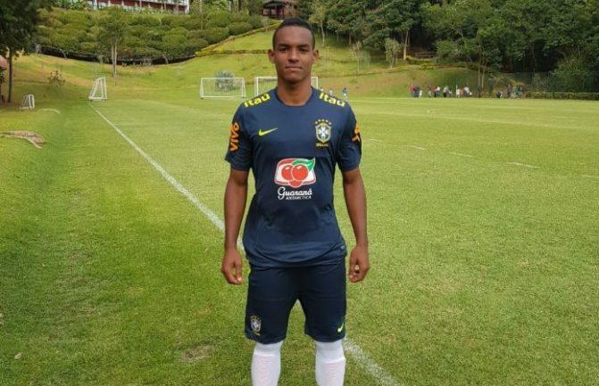 Guanambiense termina período na seleção sub-17 com gol em jogo-treino