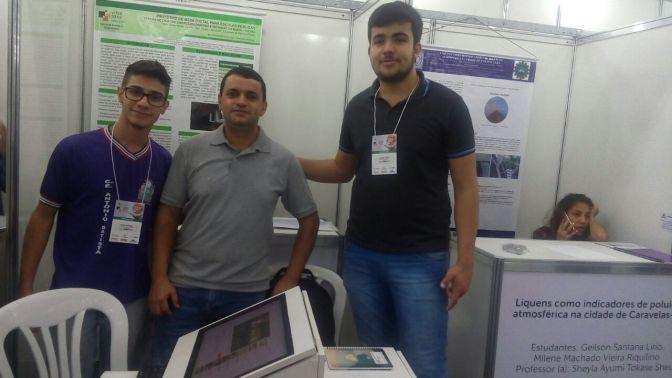 Candiba: Projeto de iniciação científica dos estudantes Flavio e Igor do CEAB é classificado em 1º lugar no FECIBA em Salvador